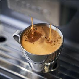 AND THE SOIL.テイクアウトコーヒー